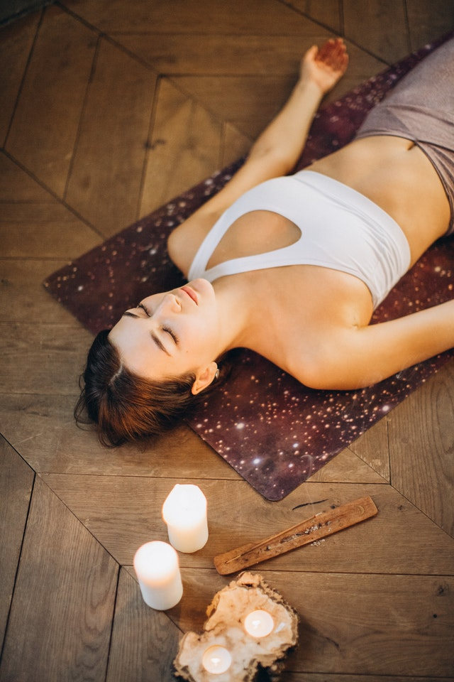 Restorative Yoga – Deep Relaxation with Simple Poses